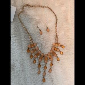 Jewelry - Gold/orange necklace w/earrings